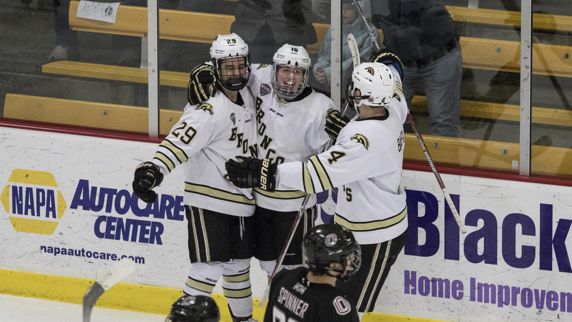Hockey Hosts Wilfrid Laurier For Annual Border Battle Game